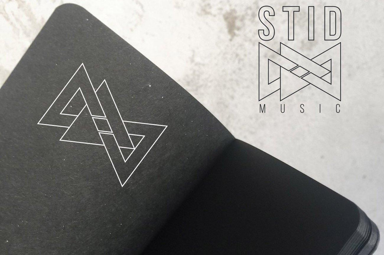 realizzazione logo infinito triangoli 2